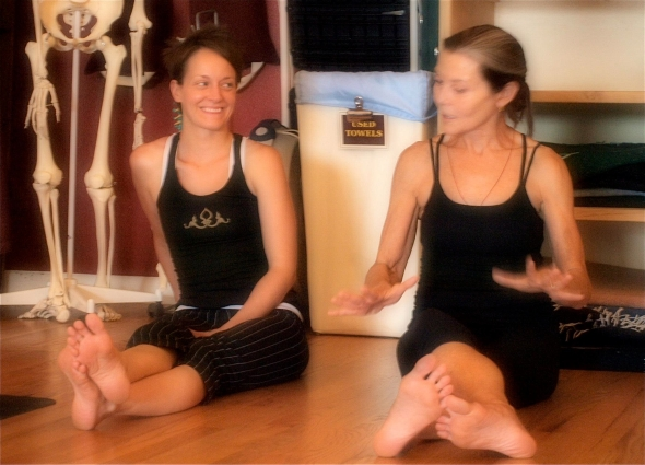 Assisting Mary in an afternoon class during the training. Photo by Barbara Süß