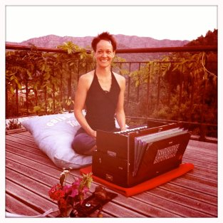 The last night of our retreat in Turkey we had a nice kirtan outside by the pool. Photo by Stefanie Rack